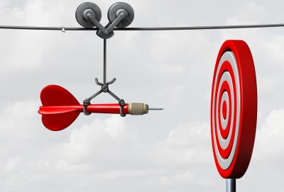 Dart supported by a rope forcing it to go perfectly into a target